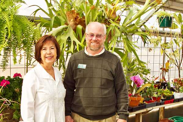 Volunteer Opportunites Await at the Quad City Botanical Center