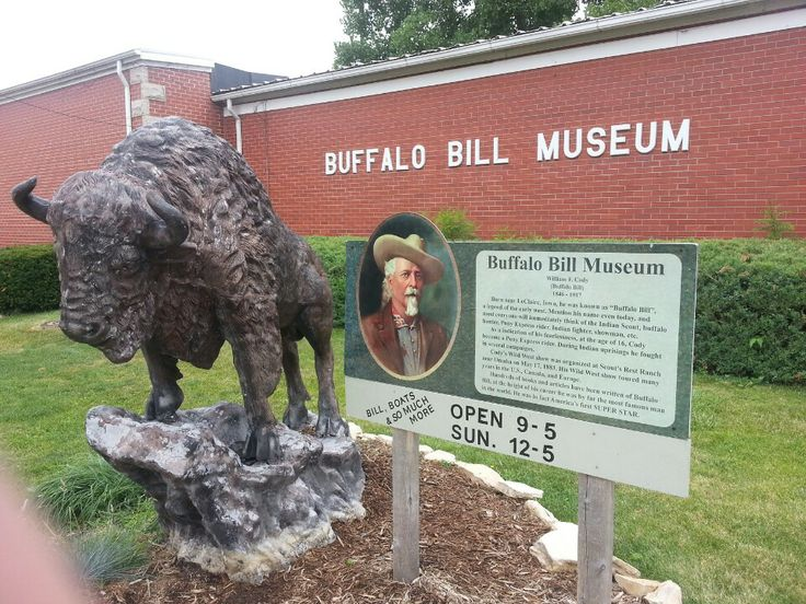 Buffalo Bill Museum  presents Historic Homes & Sites Guidebook to LeClaire Visitors